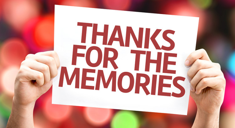 Thanks for the Memories card with colorful background with defoc